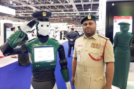Robot-police-2