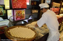 making-almond-cookies-macau